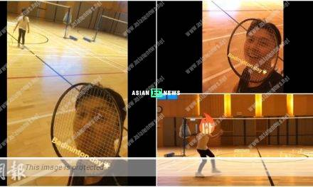 Vincent Wong plays badminton with his cute daughter