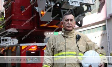 Anthony Wong plays vice-fire chief: The firefighter uniform is very heavy