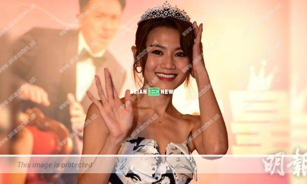 Chrissie Chau keeps holding the expensive tiara during photography session