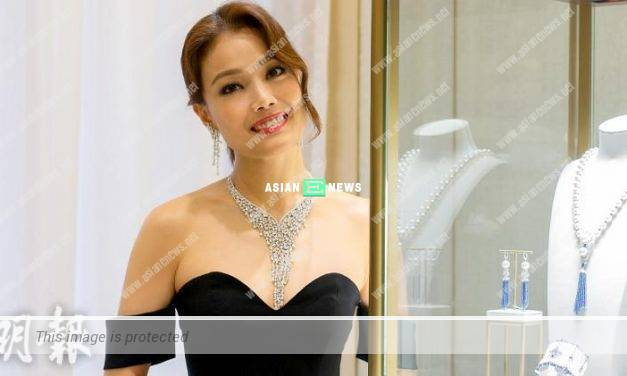 """Joey Yung holds concert in Taiwan and denies she is a """"crying leader"""""""