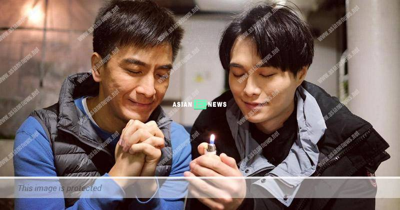 Kenneth Ma and Hubert Wu are singing together