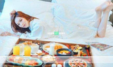 Crystal Fung spends 3 hours to enjoy her breakfast in bed