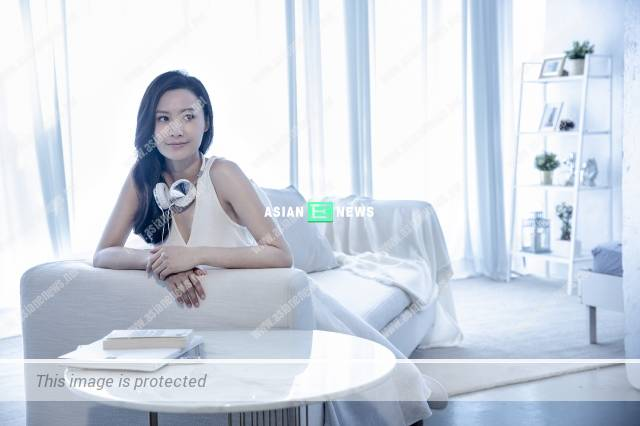 """International goddess"" Fala Chen listened to music for relaxation"