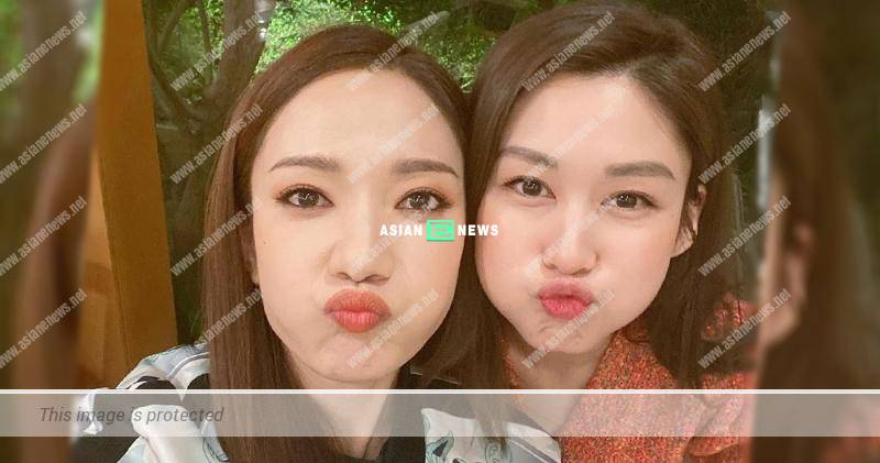 Grace Wong bumps into Eliza Sam and takes photo together
