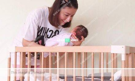 Very challenging? Tavia Yeung tries to make her daughter to sleep