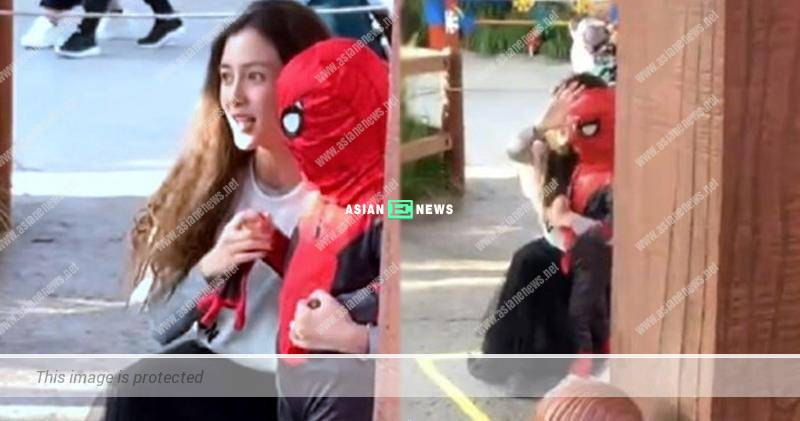 Huang Xiaoming is absent again? Angelababy takes her son to the theme park