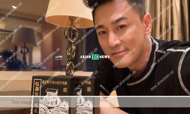 Raymond Lam rejects to use photo editing application