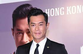Louis Koo looks chubby and cute when small