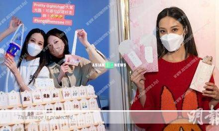 Grace Chan promotes her cosmetic brand at a stall personally