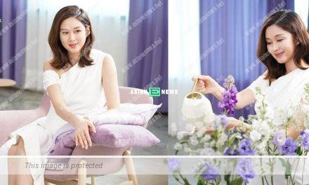 Expecting Eliza Sam shows her branded watch