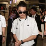 Xu Kai has no reaction in Hong Kong; He rejects all gifts from his fans